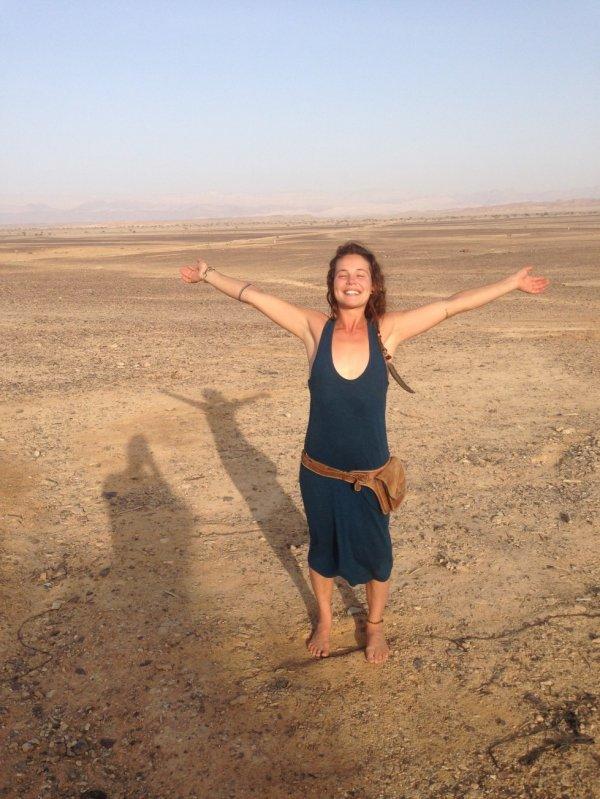 """Naomi (29 jr): """"Wat ik de afgelopen 10 jaar voornamelijk gedaan heb is het ontleren van de dingen die ik aangeleerd heb en die mij weerhouden om in vrijheid mezelf te zijn."""""""